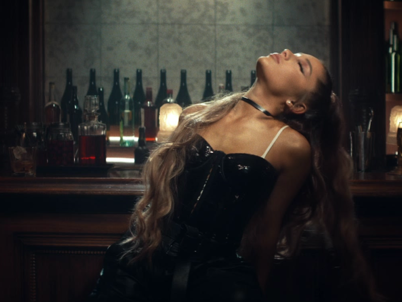 Ariana Grande – breathin (Official Music Video)