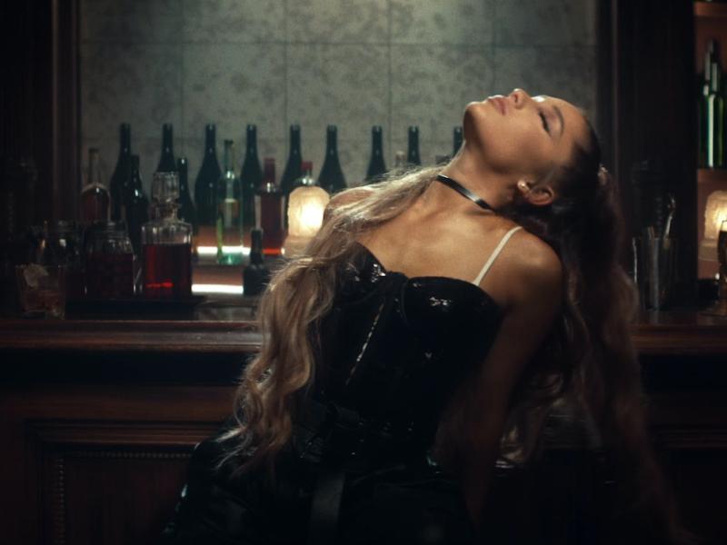 Ariana Grande – breathin (Official Music Video)