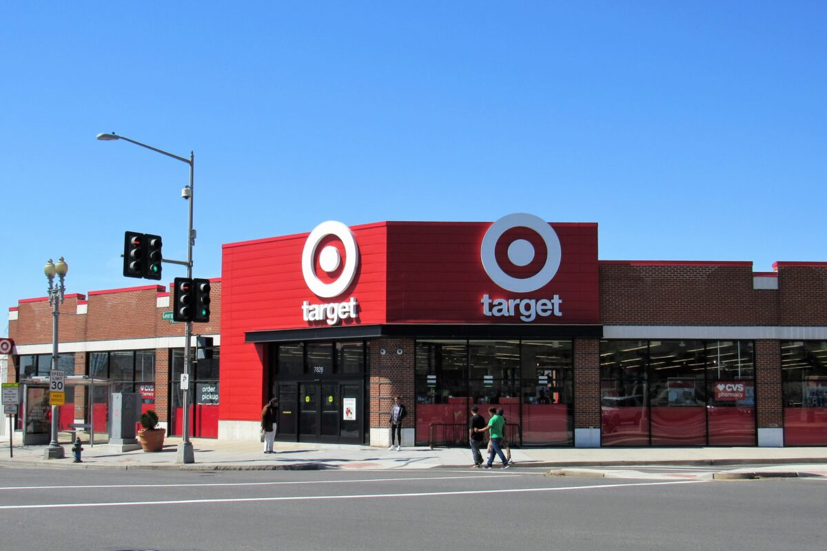 Target Set To Hire 130,000 Employees for Holiday Season